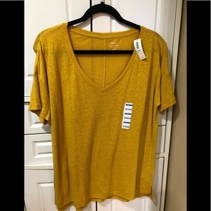 OLD NAVY boyfriend T-shirt short sleeve - GOLD